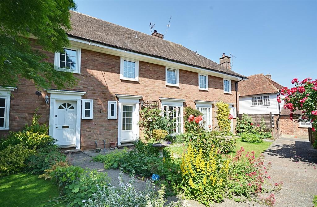 3 Bedrooms Terraced House for sale in Old Tannery Close, Tenterden