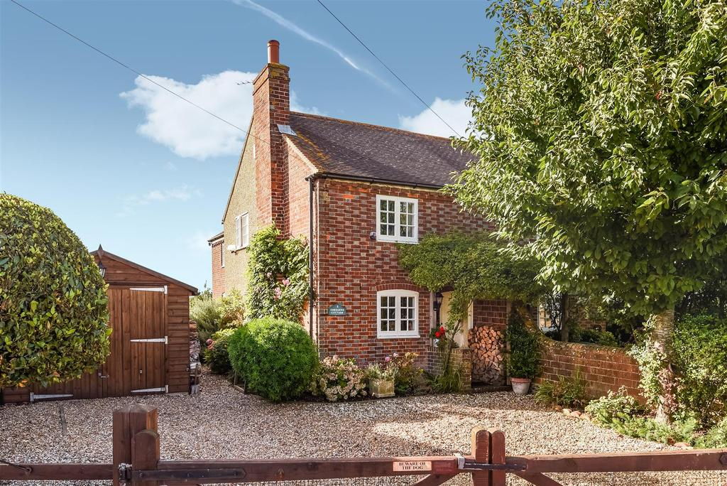 3 Bedrooms Semi Detached House for sale in Chequer Lane, Old Bosham