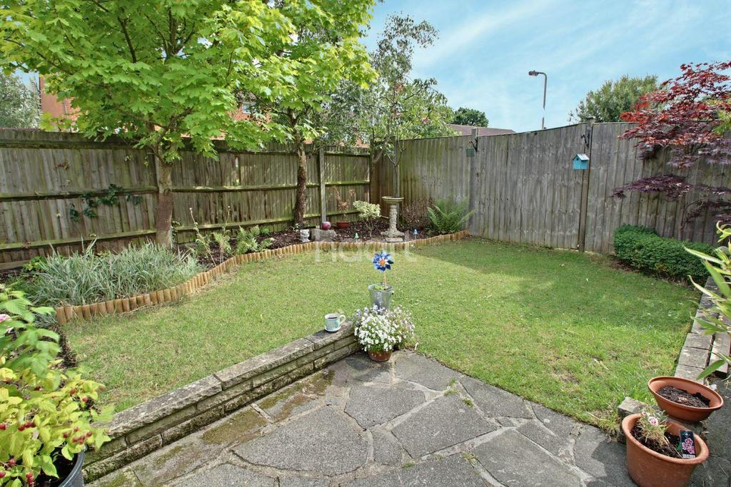 3 Bedrooms Semi Detached House for sale in Borehamwood