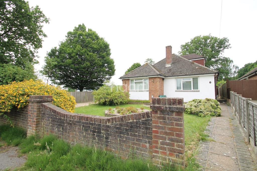 4 Bedrooms Detached House for sale in Woodcroft Lane, Lovedean