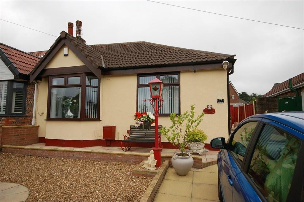 2 Bedrooms Semi Detached Bungalow for sale in Martindale Road, Carr Mill, St Helens, Merseyside
