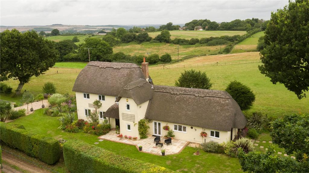 4 Bedrooms House for sale in Lodge Drove, Woodfalls, Salisbury, Wiltshire, SP5