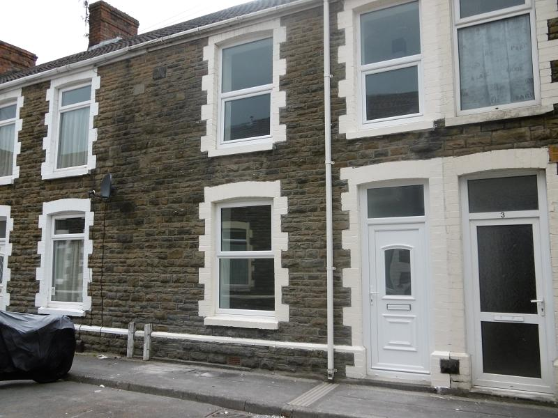 3 Bedrooms Terraced House for sale in Charles Street, Neath, Neath Port Talbot.