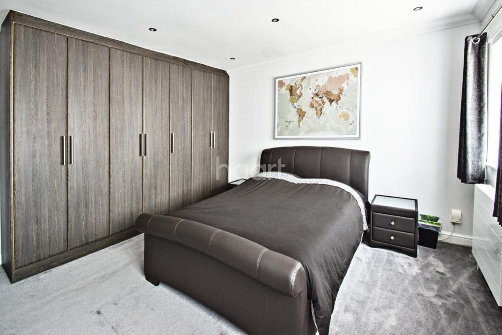 4 Bedrooms Semi Detached House for sale in Sudbury Avenue, Wembley