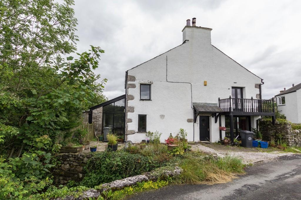 3 Bedrooms Barn Conversion Character Property for sale in Skip Burn House, Crooklands. LA7 7NS