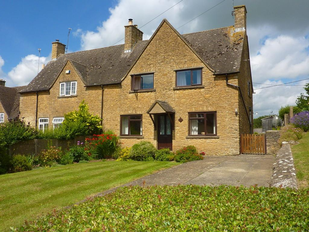 3 Bedrooms Semi Detached House for sale in Churchill, Oxfordshire