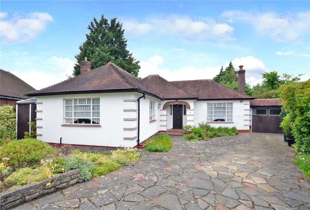 2 Bedrooms Detached Bungalow for sale in Cheyham Gardens, Cheam, Sutton, Surrey, SM2