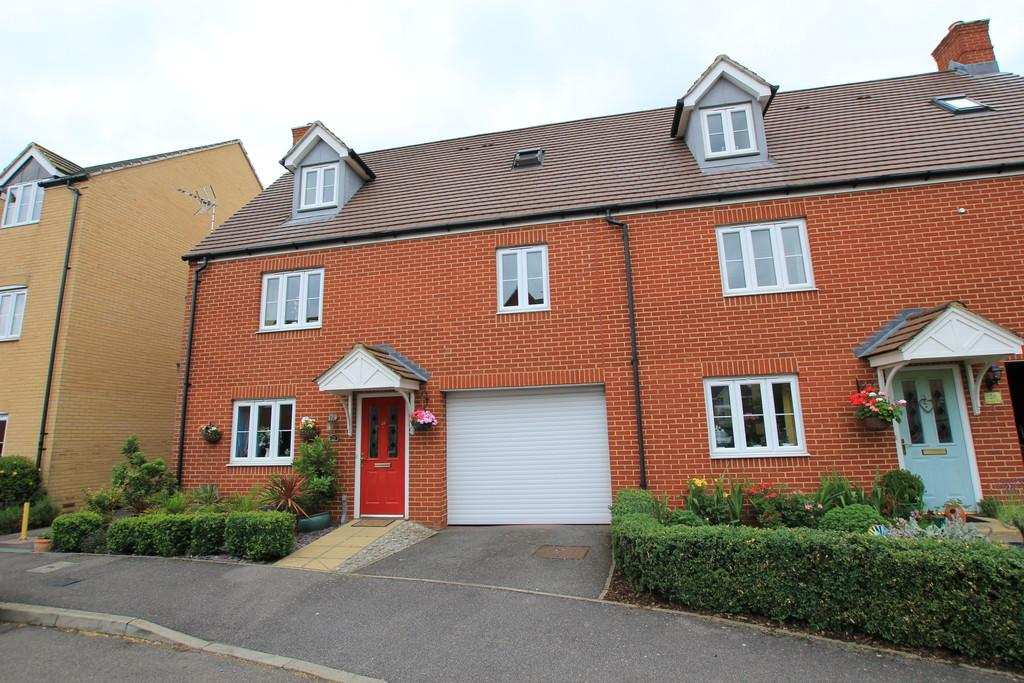 4 Bedrooms Town House for sale in Snowdonia Way, Stevenage