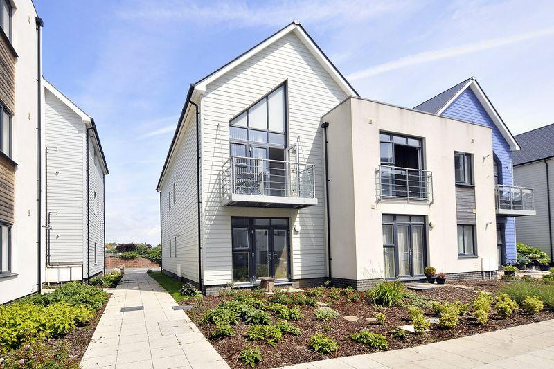 2 Bedrooms Apartment Flat for sale in Eirene Road, Worthing