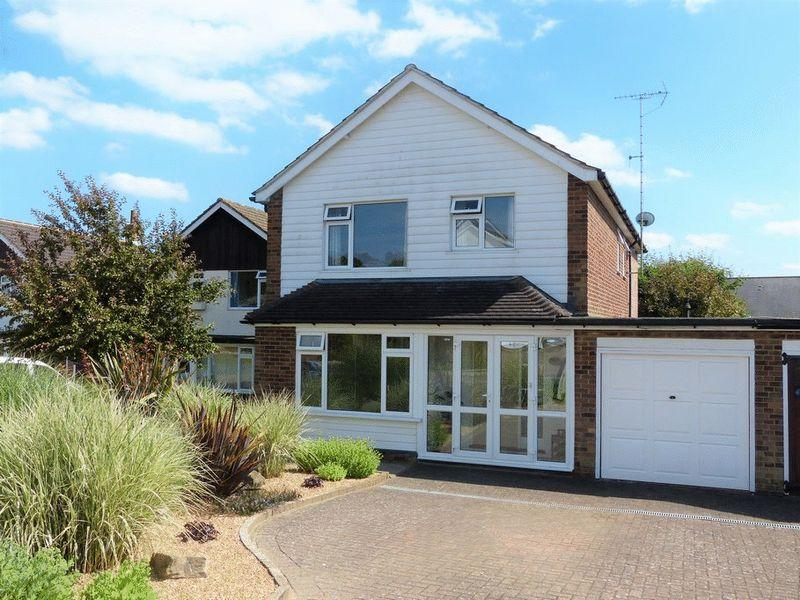 4 Bedrooms Link Detached House for sale in Oatfield Drive, Cranbrook