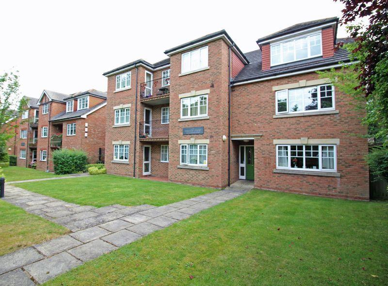 2 Bedrooms Apartment Flat for sale in Pampisford Road, South Croydon, Surrey, CR2 6BY