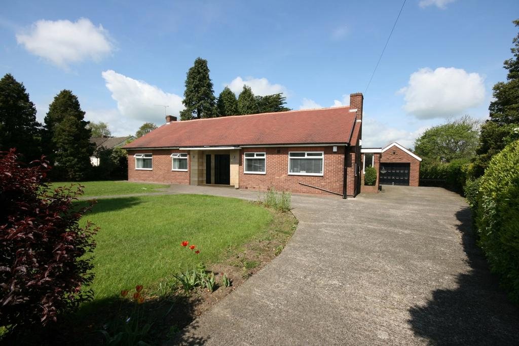 3 Bedrooms Detached Bungalow for sale in Middle Drive, Ponteland, Newcastle upon Tyne, NE20