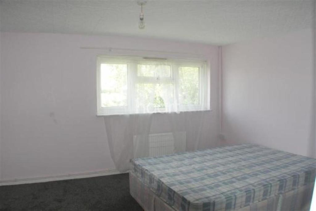 2 Bedrooms Flat for sale in Bracken Avenue, Croydon, CR0