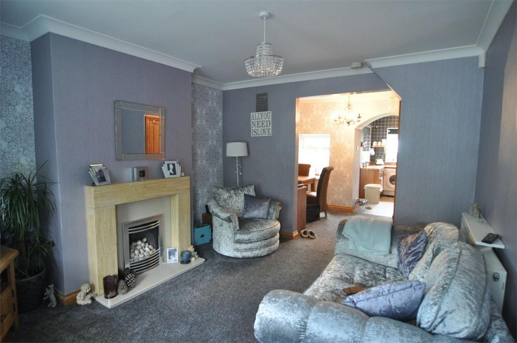 2 Bedrooms Cottage House for sale in Pontefract Road, Wombwell, BARNSLEY, South Yorkshire