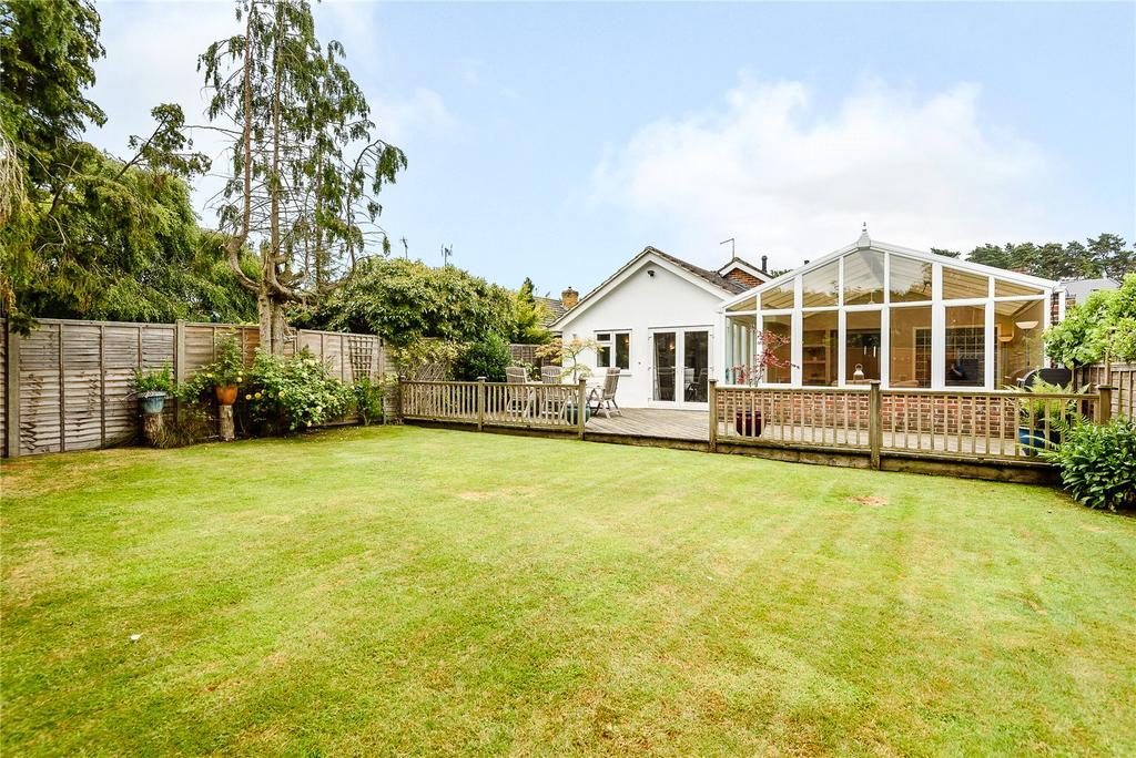 4 Bedrooms Detached Bungalow for sale in Kiln Lane, Winkfield, Windsor, Berkshire