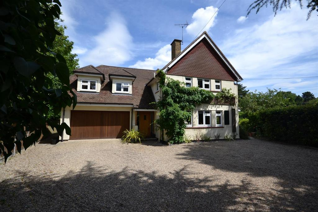 4 Bedrooms Detached House for sale in The Ridge, Little Baddow