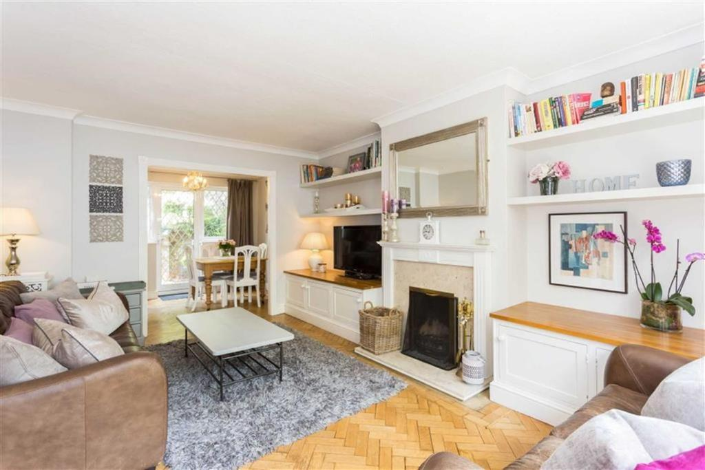 3 Bedrooms Semi Detached House for sale in Station Approach, Chorleywood, Hertfordshire
