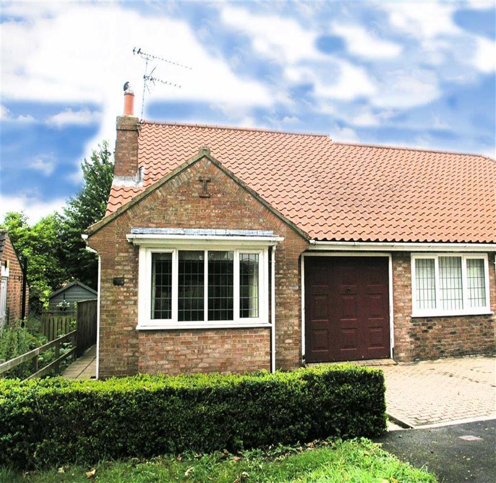 2 Bedrooms Semi Detached Bungalow for sale in Queensgate, Beverley
