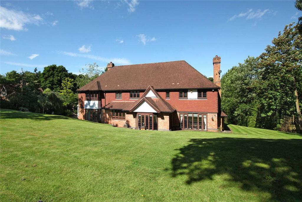 5 Bedrooms Detached House for sale in Camp Road, Gerrards Cross, SL9