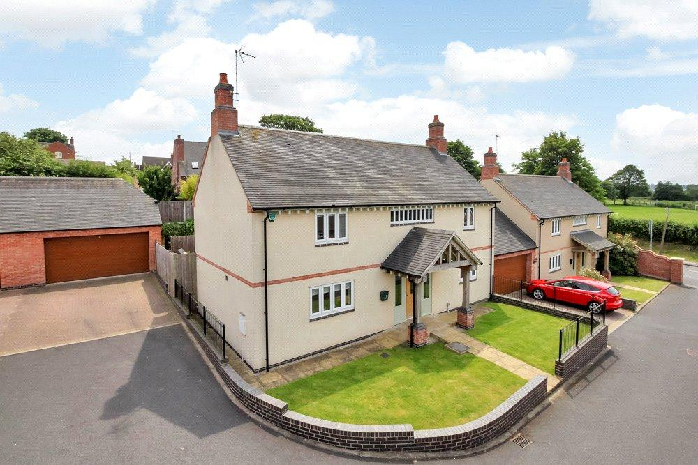 4 Bedrooms Detached House for sale in Hartshorne, Swadlincote, Derbyshire