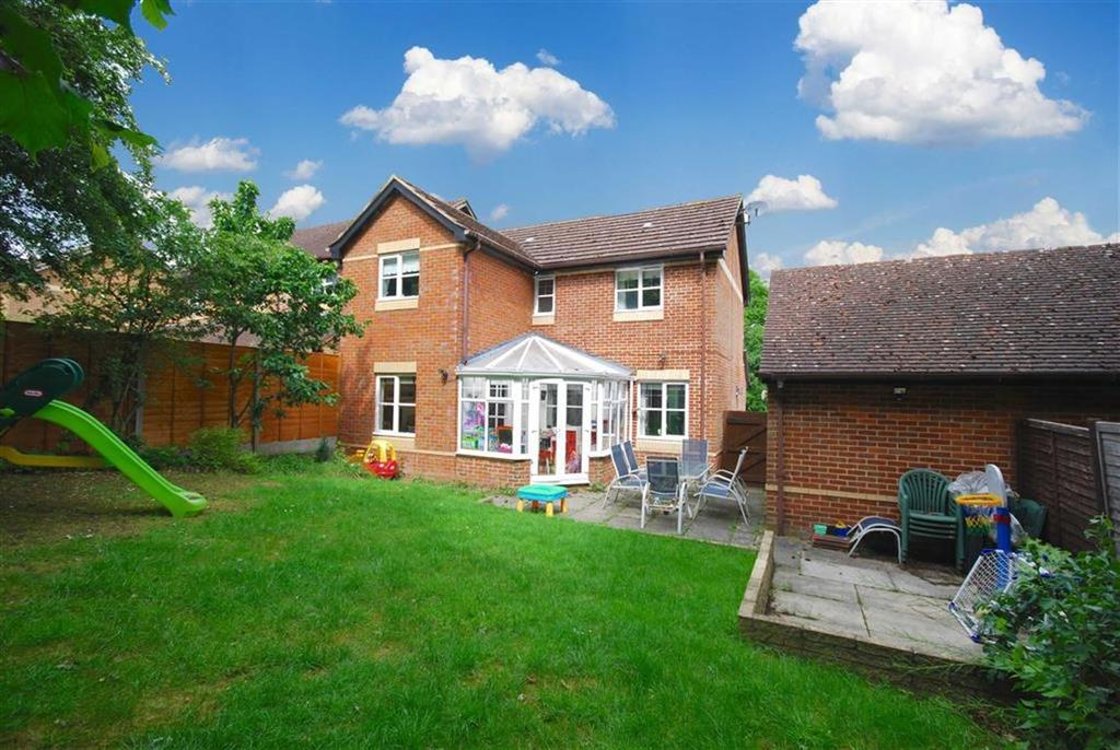 3 Bedrooms Detached House for sale in Nell Gwynn Close, Shenley