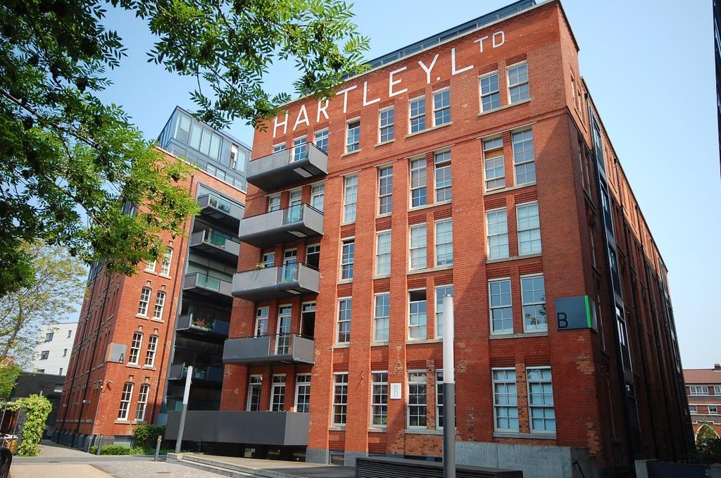2 Bedrooms Flat for sale in Green Walk London Bridge SE1