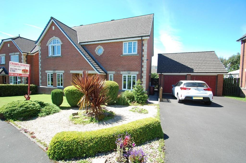 4 Bedrooms Detached House for sale in Yew Tree Close, Clayton le Dale