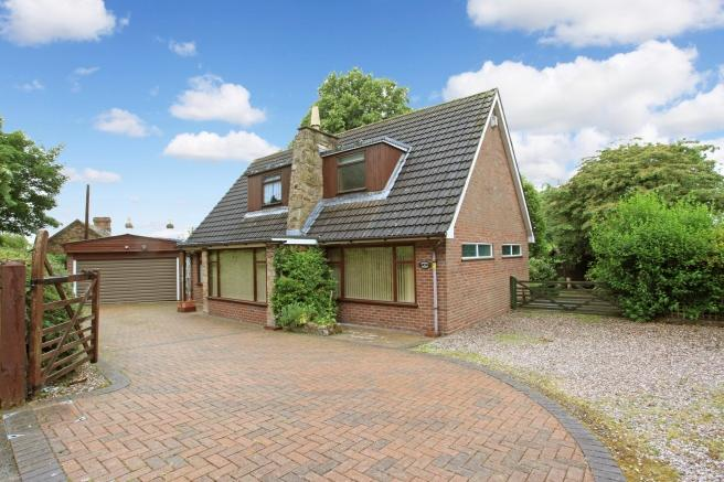 3 Bedrooms Detached House for sale in Upper House, Bank Way, Ketley Bank, Telford, Shropshire, TF2 0DQ