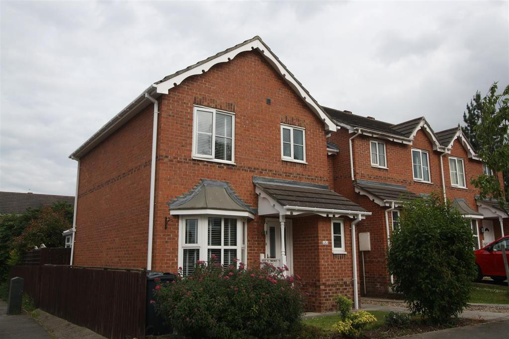 3 Bedrooms Terraced House for sale in Kingsbury Mews, Darlington
