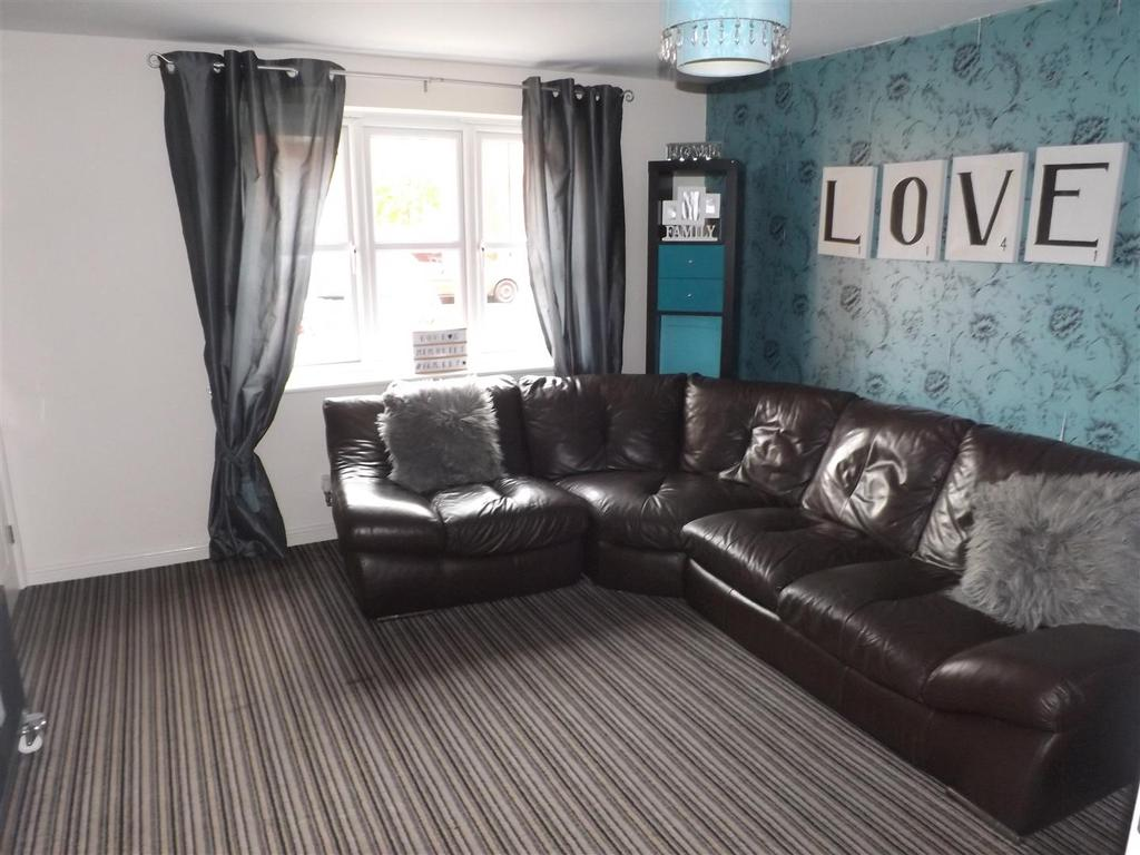 3 Bedrooms Town House for sale in Waymark Gardens, Sutton Manor, St. Helens