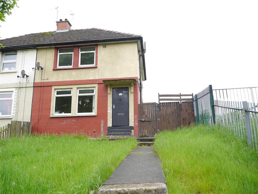 3 Bedrooms Semi Detached House for sale in Ravenscliffe Avenue, Ravenscliffe, Bradford, BD10 0JJ