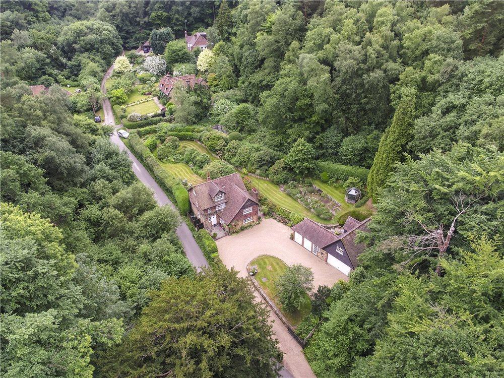 5 Bedrooms Detached House for sale in Abinger Bottom, Abinger Common, Dorking, Surrey, RH5