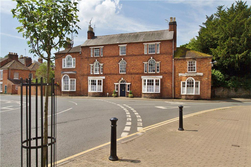 5 Bedrooms Terraced House for sale in Broad Street, Pershore, Worcestershire, WR10