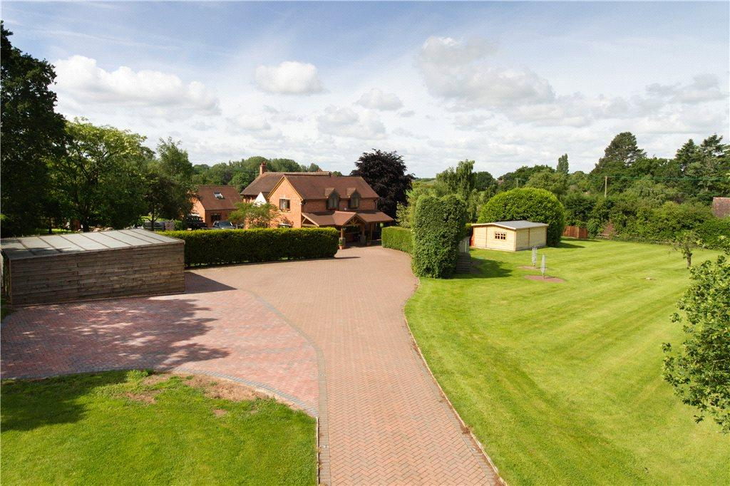 4 Bedrooms Detached House for sale in Droitwich Road, Martin Hussingtree, Worcestershire, WR3