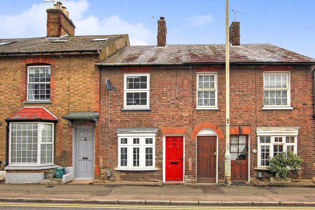 2 Bedrooms Terraced House for sale in High Street, Northchurch, Berkhamsted HP4