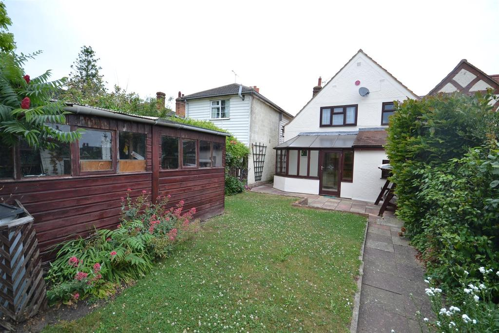 3 Bedrooms End Of Terrace House for sale in Station Road, Southminster