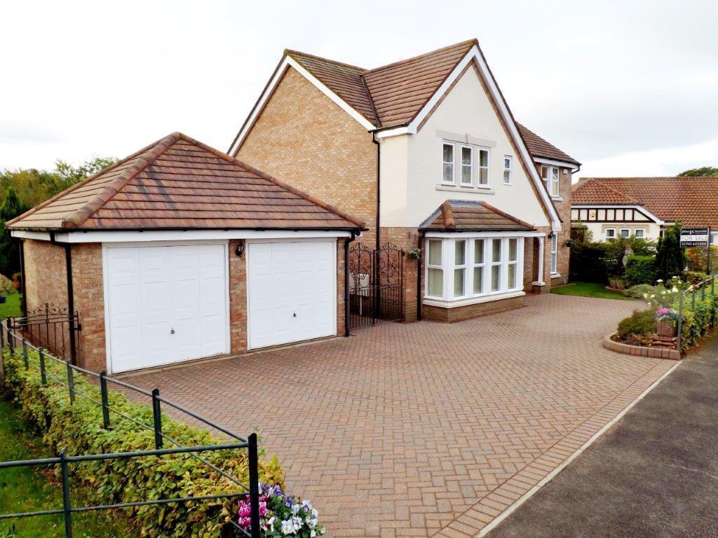 4 Bedrooms House for sale in Embleton Grove, Wynyard, Billingham
