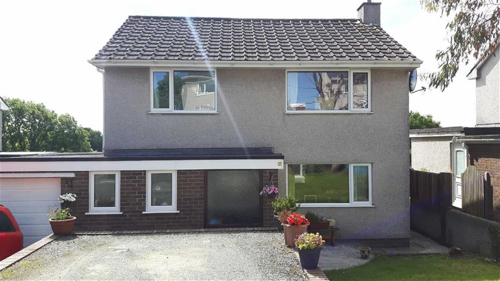 4 Bedrooms Detached House for sale in Stad Bryn Golau, Benllech, Tynygongl