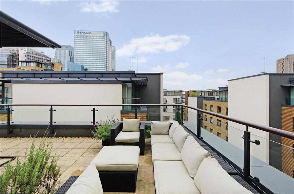 2 Bedrooms Flat for sale in Boardwalk Place, Near Canary Wharf, London, E14