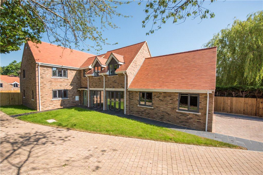 5 Bedrooms Detached House for sale in Days Lane, Biddenham, Bedford, Bedfordshire