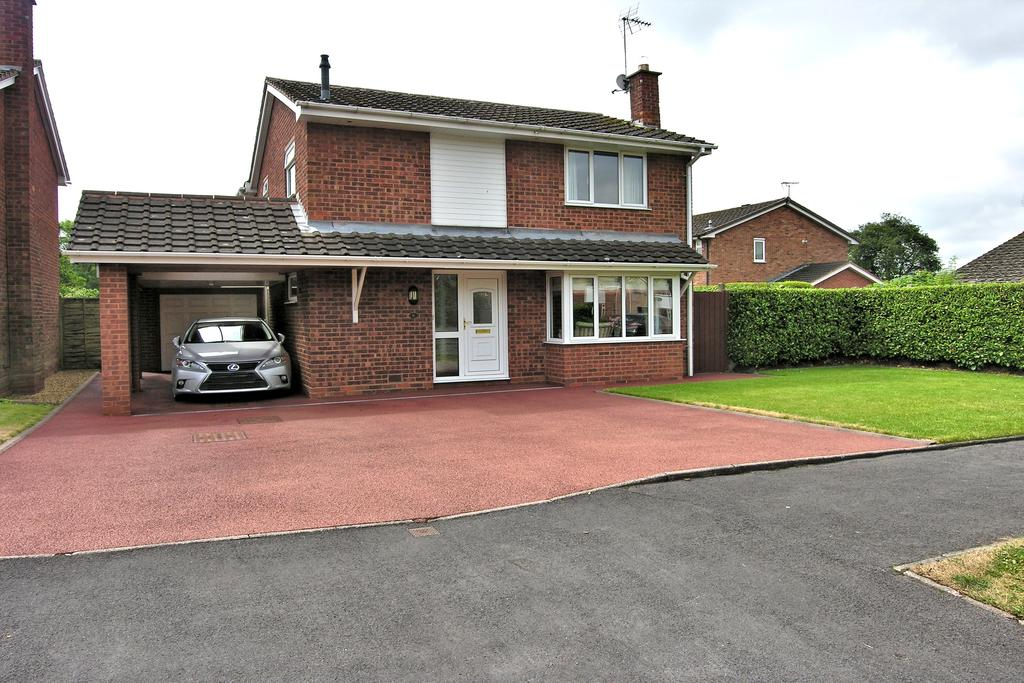 4 Bedrooms Detached House for sale in WILDWOOD DRIVE, WILDWOOD, STAFFORD ST17