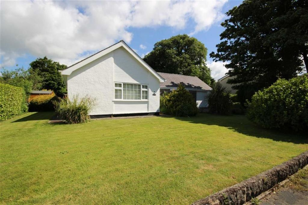 3 Bedrooms Detached Bungalow for sale in 26 Lon Tudur, Llangefni, Anglesey, LL77