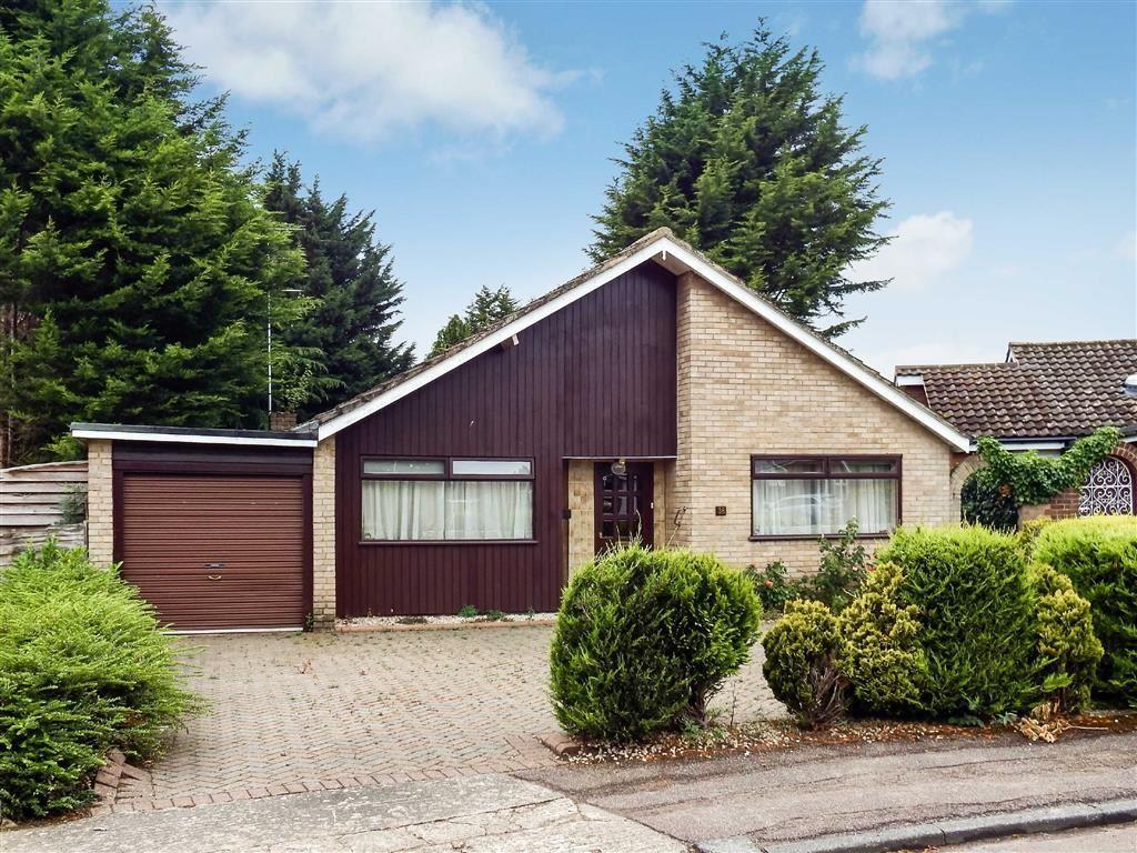 3 Bedrooms Detached Bungalow for sale in Franklins Road, Stevenage, Hertfordshire, SG1