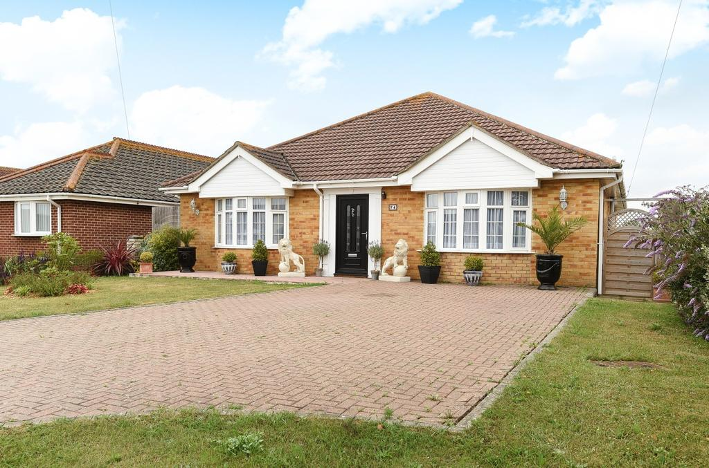 4 Bedrooms Detached Bungalow for sale in Harbour Road, Pagham, Bognor Regis, PO21