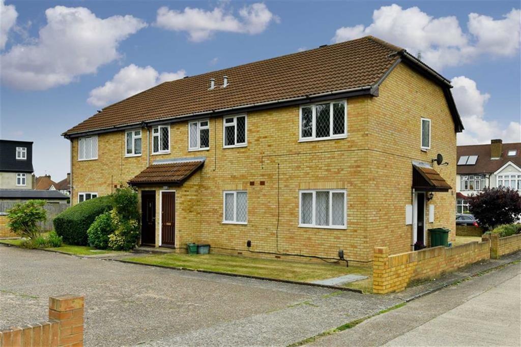 1 Bedroom Maisonette Flat for sale in Moorland Court, Worcester Park, Surrey