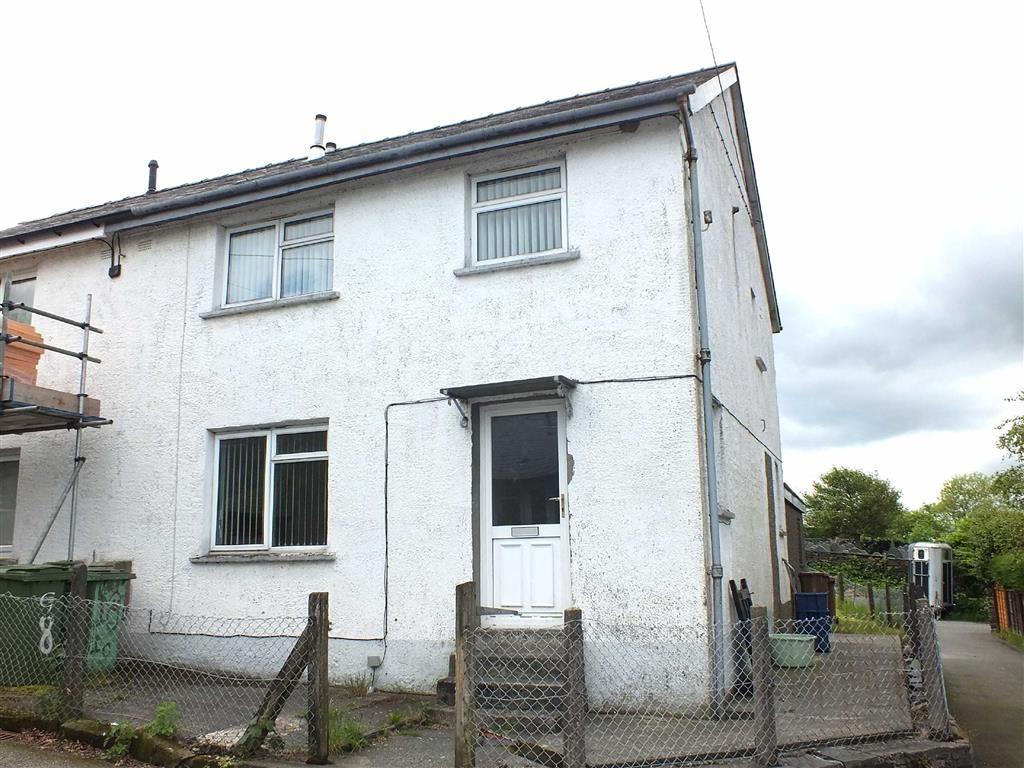 3 Bedrooms Semi Detached House for sale in Tyn Y Maes, Llan Ffestiniog