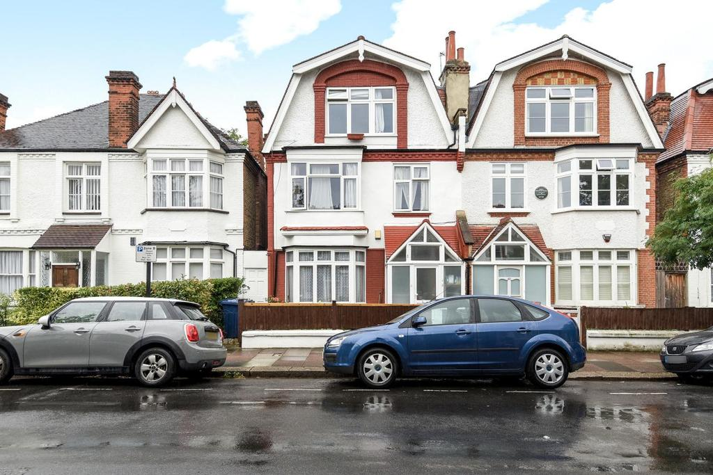 2 Bedrooms Flat for sale in Rusthall Avenue, Chiswick