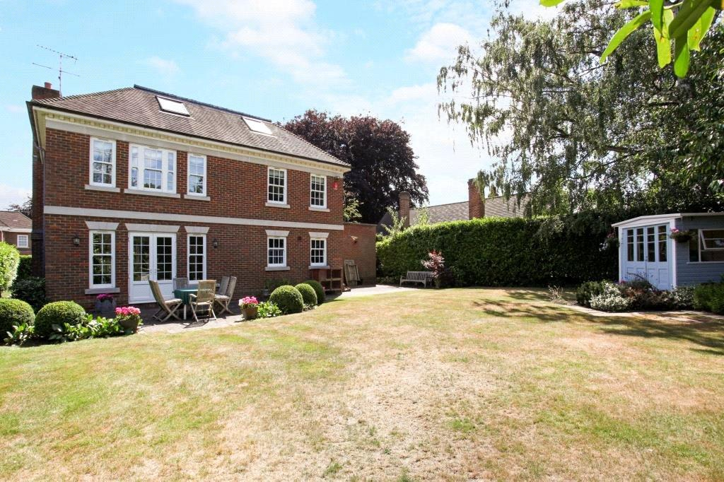 6 Bedrooms Detached House for sale in Monks Road, Virginia Water, Surrey, GU25