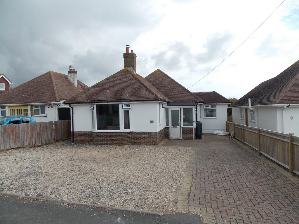 4 Bedrooms Detached Bungalow for sale in Tyedean Road, Telscombe Cliffs, East Sussex