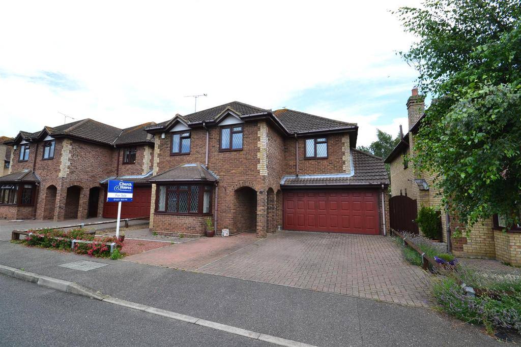5 Bedrooms Detached House for sale in Rose Drive, Southminster